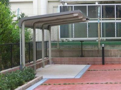 【ネオ・ウーノ】の屋根付き駐輪場!