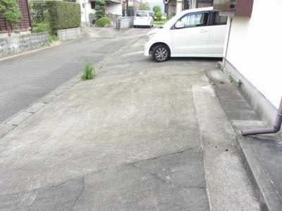 【駐車場】芳司一戸建