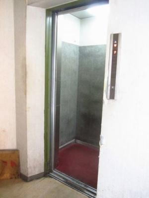 従業員用エレベータ