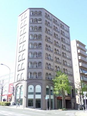 ブルーライン・グリーンライン「センター南」駅より徒歩3分!2沿線利用可能で便利な立地の10階建てマンションです☆