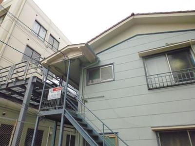 ブルーライン「新羽」駅より徒歩圏内!便利な立地の2階建てアパートです☆