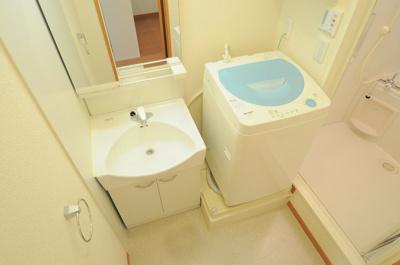 独立洗面台、全自動洗濯機付き