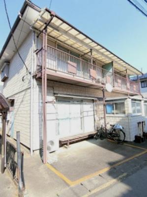 小田急線「鶴川」駅にアクセス可能なバス停より徒歩4分!国士舘大学の近くの物件です☆