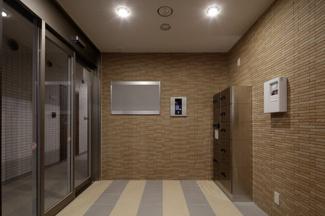【ロビー】The Ookubo Base