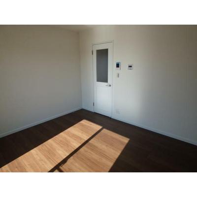 アージュドール桜木の洋室