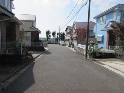 【前面道路含む現地写真】神奈川区菅田町 一戸建て