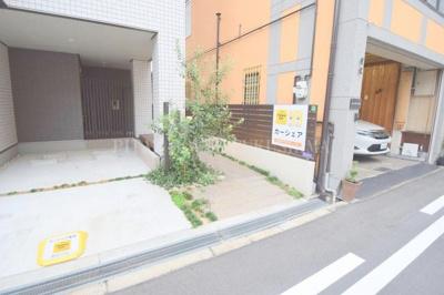 【エントランス】ラシーネ・梅田WEST