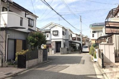 【前面道路含む現地写真】堺市北区蔵前町 一戸建