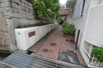 【エントランス】サンハイツ六甲
