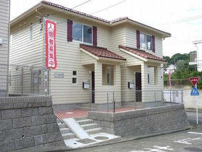 小田急線「新百合ヶ丘」駅にアクセス可能な最寄りバス停より徒歩1分☆雨の日もバス利用でスムーズです☆