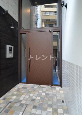 【エントランス】アレーロ高田馬場(ALERO高田馬場)