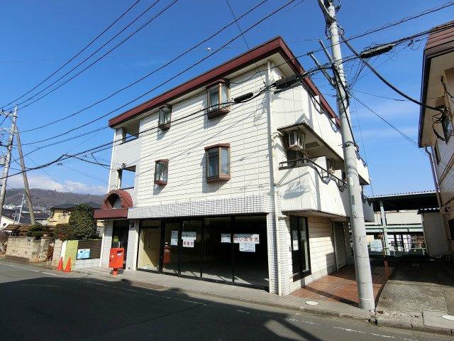 小田急線「東海大学前」駅より徒歩1分の好立地!駅近で通勤やお買物にも便利な立地のテナントです!