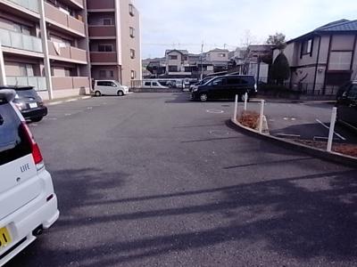 【駐車場】ラフィネ星田