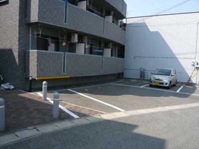 敷地内の駐車場
