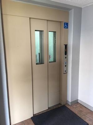 荷物の多い時でも嬉しいエレベーター