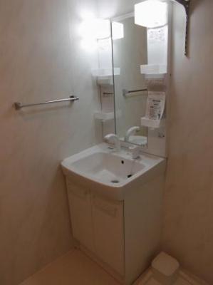 メゾネット稲毛台の洗面台