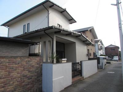 小田急「江ノ島」線徒歩4分の閑静な住宅街内の物件です。