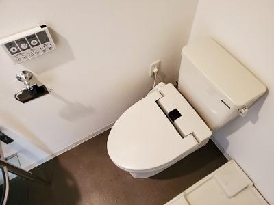 【トイレ】セレニテ甲子園2(甲子園駅)
