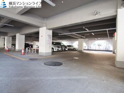 敷地内に駐車場ございますので大切なお車も安心して駐車できます。