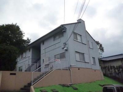 田園都市線「市ヶ尾」駅より徒歩10分の2階建てアパートです♪駅近で通勤・通学にも便利☆