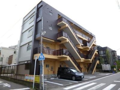「新丸子」駅より徒歩8分!「武蔵小杉」駅より徒歩10分!2沿線2駅利用可能で便利♪鉄筋コンクリート造4階建てマンションです☆