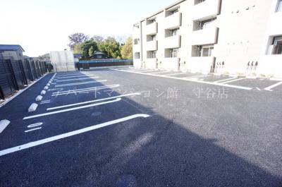 【駐車場】クローバー