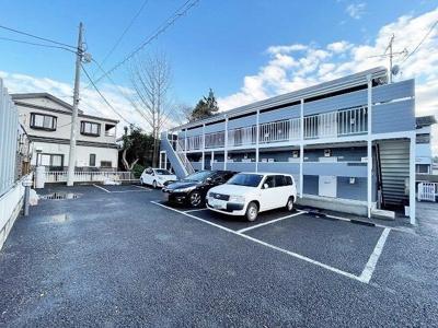 敷地内に駐輪場があります♪自転車があれば通勤・通学にはもちろん、お買物にも便利ですよね☆バイク駐輪も相談可能です!