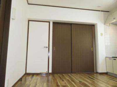【洋室】サワマンション