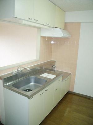 ラフィネ西都賀のキッチン