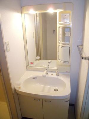 ラフィネ西都賀の独立洗面台