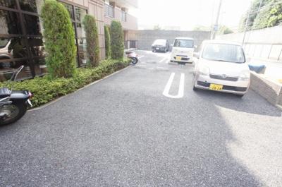 【駐車場】ホワイト ウッド