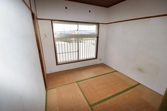同マンション別部屋の写真です。