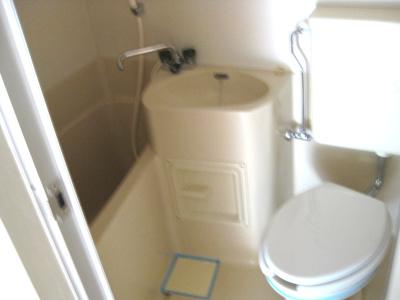 【浴室】キングスアベニュー流町B棟