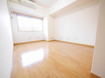 7.3帖のお部屋です。全居室フローリングです。