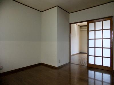 【居間・リビング】サンハイム岩曽