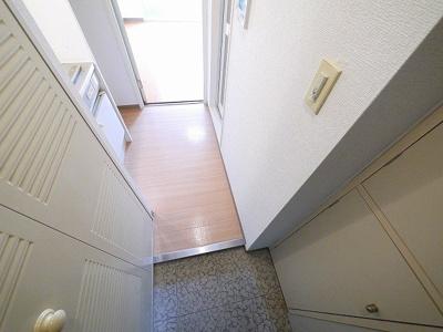 出入りのしやすい玄関です