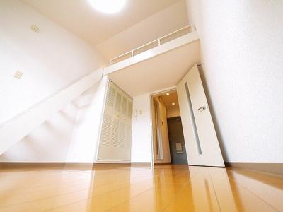 照明付きのお部屋は初期費用が抑えられます