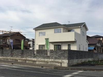 【外観】蓮田市関山3丁目 土地広々62坪の南欧風新築住宅全1棟
