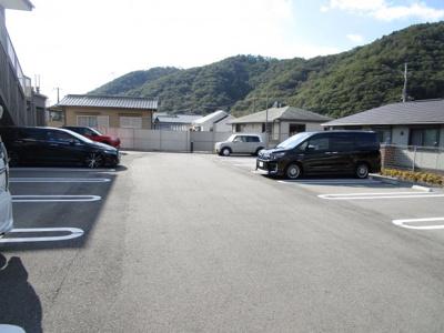 【駐車場】グレイスヴィラⅡ番館