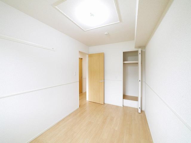 各居室に収納スペースが確保されています