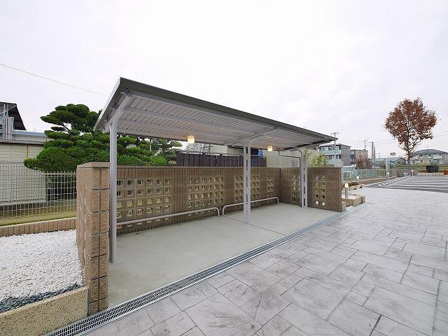 便利な屋根付き駐輪場です