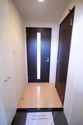 【玄関】フロレスタ
