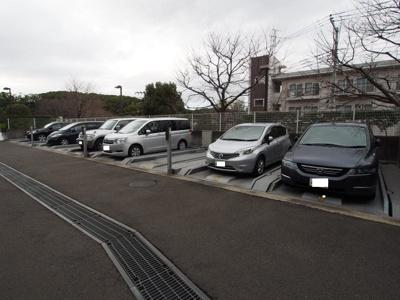 敷地内駐車場は、安心ですね。