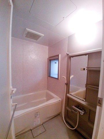 【レジディア文京湯島】お風呂に窓あります!
