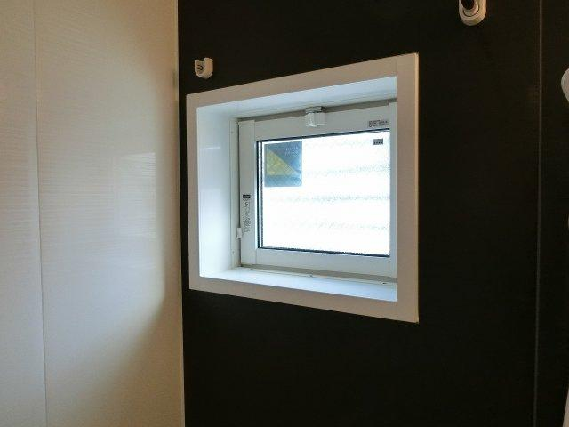 D-room河内国分 窓付き浴室