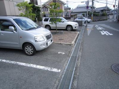 【駐車場】ロイヤルもずB棟