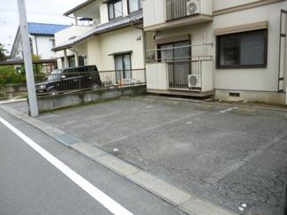 【駐車場】ハウス藤
