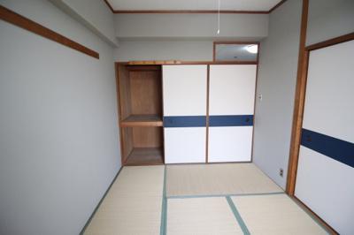 和室6畳の押し入れ