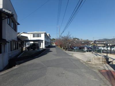 【前面道路含む現地写真】児島下の町3丁目 売地