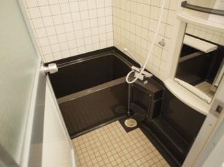 【浴室】カルマーレナンバウエスト
